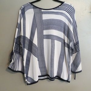 Chico's Light Sweater Shirt Size Large